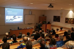 Presentasjon av Cyberforsvaret for elever, lærere og bedrifter